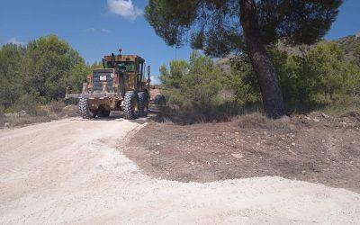 Finalizados los trabajos de desbroce, reparación y bacheo en los caminos del Malgastao, Cooperativa, Cerro de la Mota y Collaet